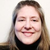 Tracie Lee, Site Editor